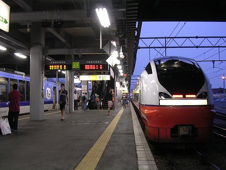 弘前駅ホーム2