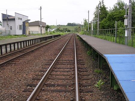緋牛内駅1