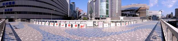 梅田阪神前 横断歩道橋上 wp_k091