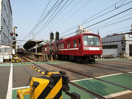 2000形(神奈川新町)