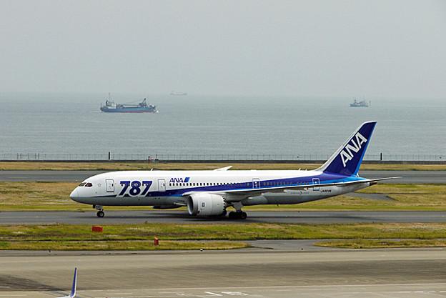 全日空 B787-8