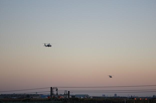 米政府 専用ヘリ 2機編隊