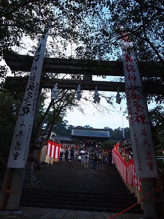 諏訪神社、朝6時半