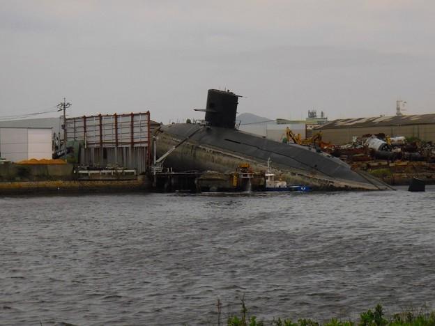 潜水艦 解体開始