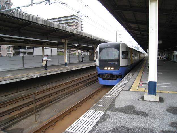 255系 検見川浜駅