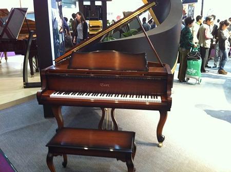 エセックスピアノ