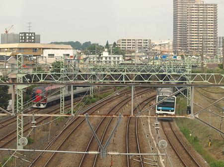 253系横須賀線と209系京浜東北線(東神奈川)