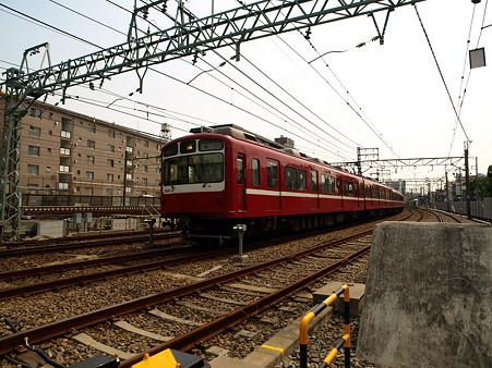 800形(子安駅)1