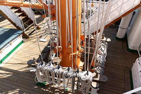 2011.04.05 みなとみらい 帆船日本丸 ビレイピン