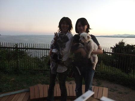 浜名湖バックに撮影