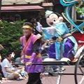 写真: 七夕パレードのミッキー