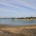 写真: 100517-53中の橋から少し走った海