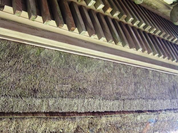 神野寺:藁葺き屋根