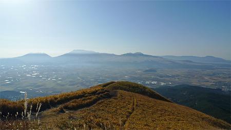 大観峰の秋(2)最先端からの眺め