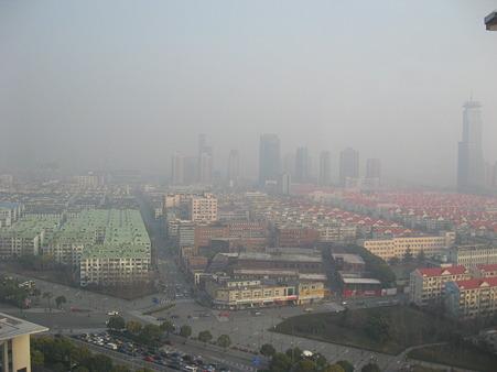 ホテルの部屋から上海の朝
