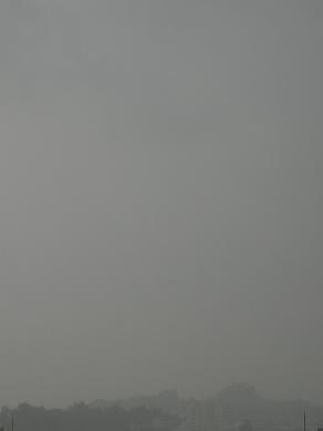 12月30日の那覇の通り雨